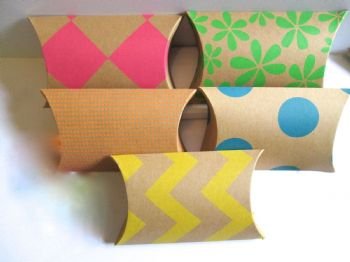 10 Large Multi Coloured Kraft Card  Pillow Shaped Favour Boxes